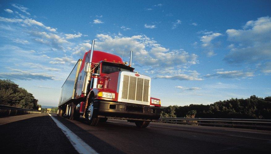 El seguro comercial protege tanto la mercadería que transportas como el vehículo mismo.