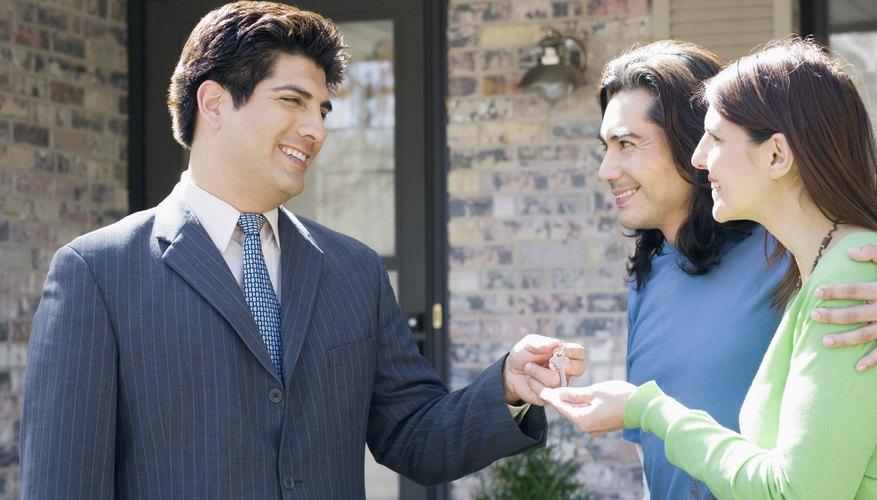 Para trabajar como corredor de bienes raíces en Texas, es necesaria una licencia profesional.