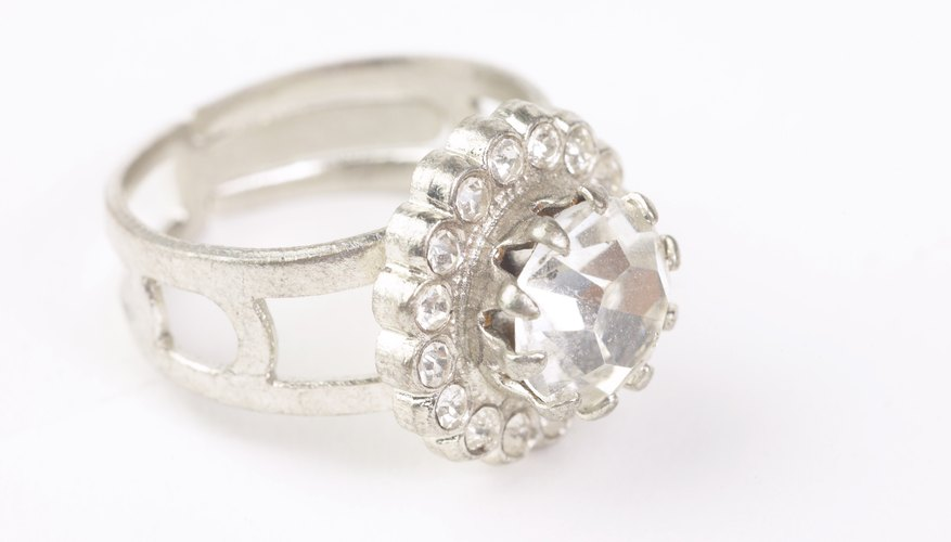 Cómo reconocer si un anillo es de platino.