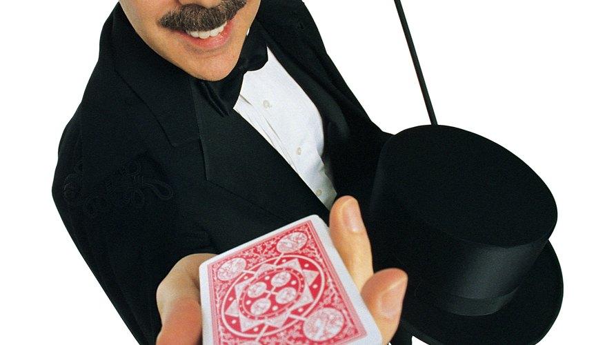 Si ya te aburriste de las cartas, entonces ahora puedes hacer ilusionismo con espejos.