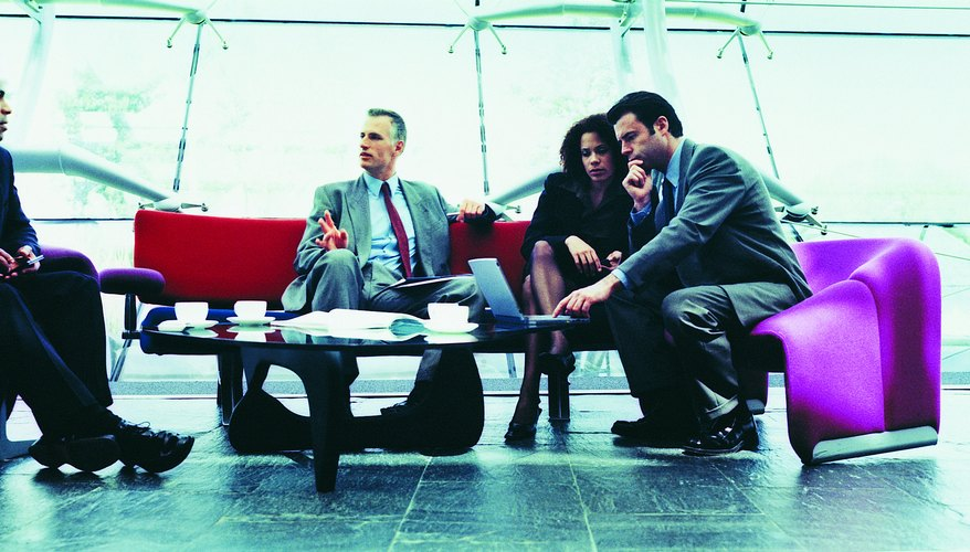 Las subsidiarias y las filiales no consolidadas son empresas en las que una sociedad tiene una participación significativa.