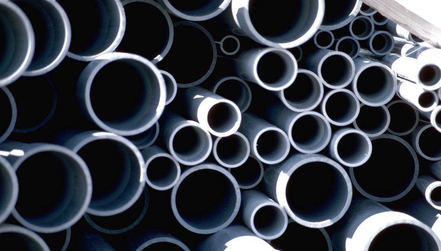 Las tuberías de diferentes diámetros y espesores de pared.