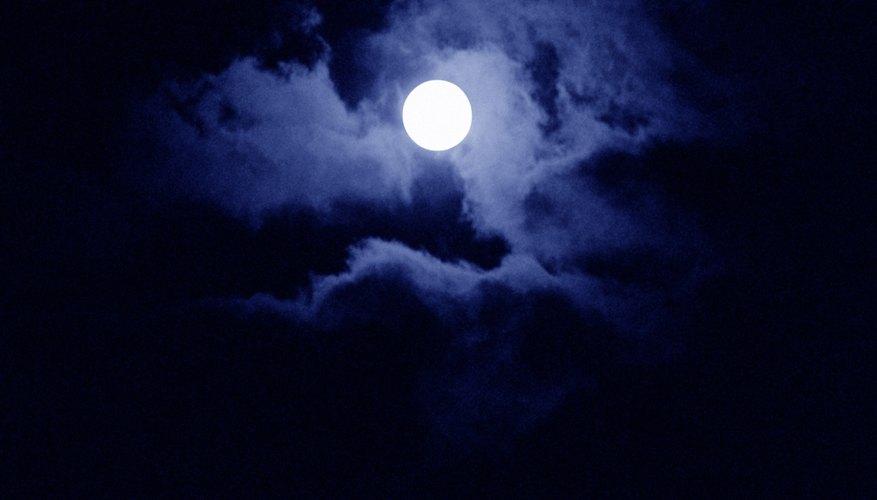 La luz de la luna llena tiene una energía muy poderosa que te ayuda a liberarte de las ataduras al pasado.