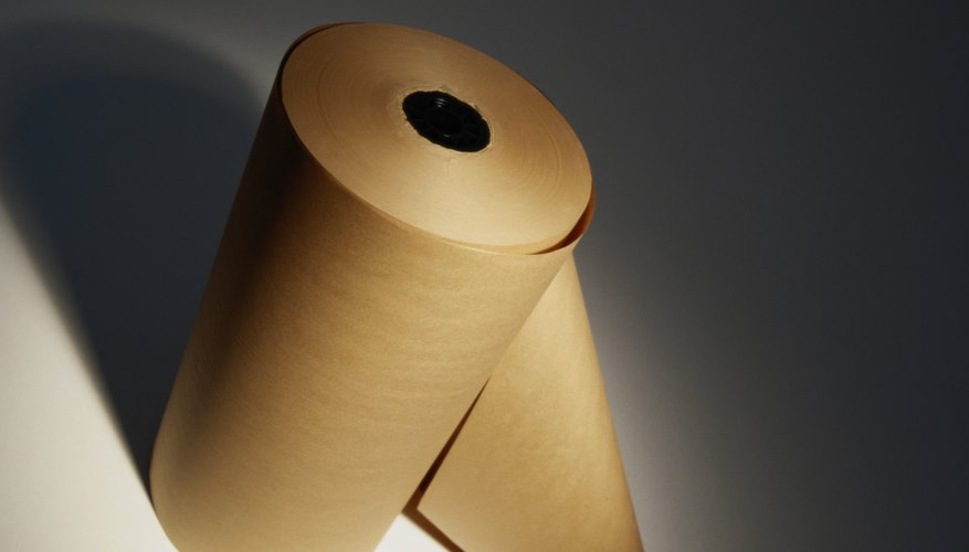 Con la misma técnica aplica dos o tres capas de papel de seda café.