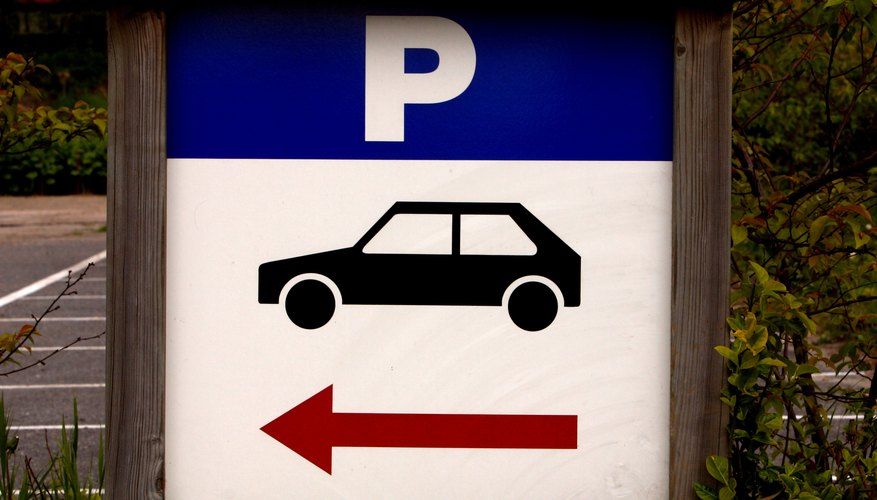 Parking sign with arrow