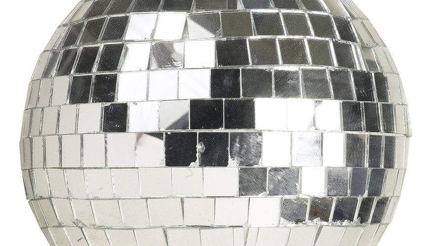 La bola de discoteca es uno de los símbolos más reconocidos de la década del 70.