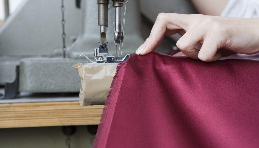 Las costuras agujas dobles se lucen mejor en la tela sólida.