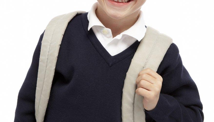 Las cinturas ajustables pueden extender la vida de los uniformes escolares.