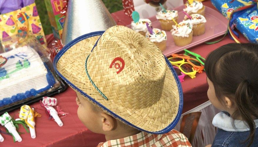 C mo hacer centros de mesa de sombreros de vaqueros - Decoracion de sombreros ...