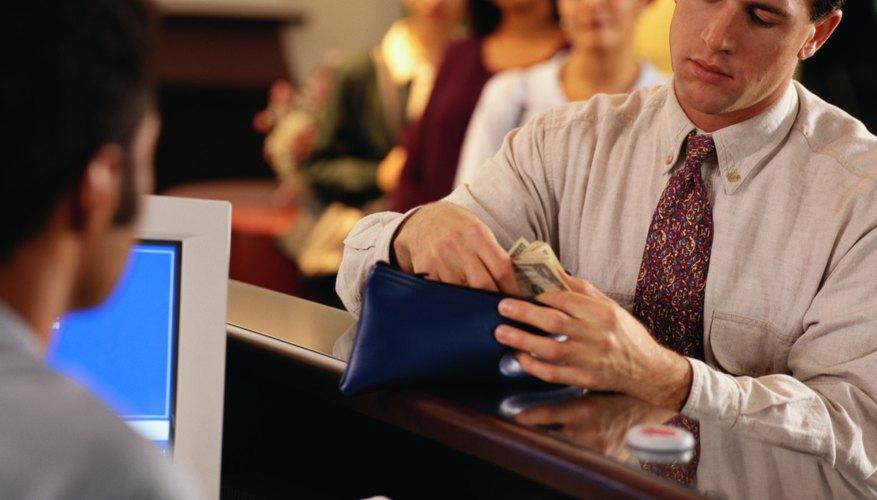 No es necesario ir al banco para revisar tu saldo, puedes hacerlo desde tu computadora.