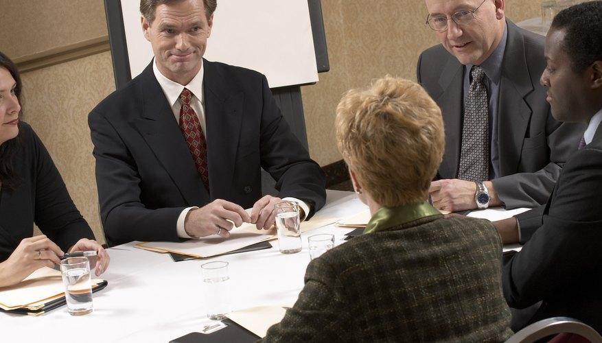 Es importante mostrar tu profesionalismo al solicitar una reunión formal en un entorno corporativo.