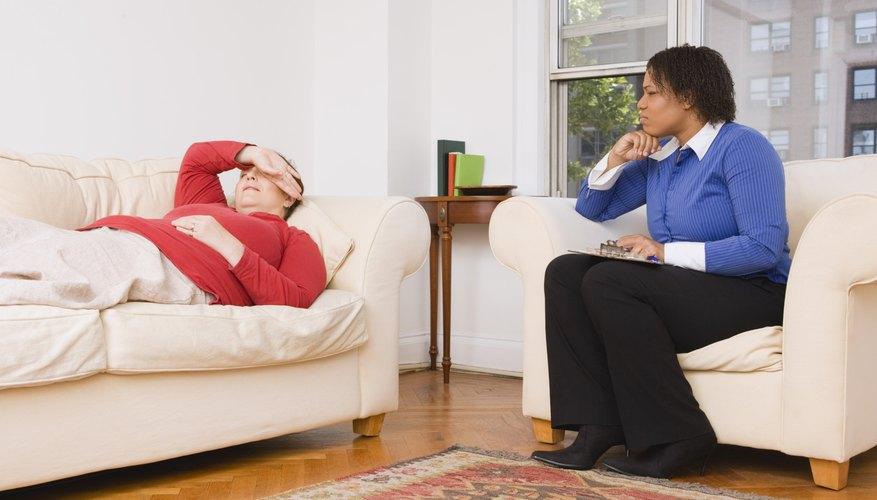 Un psicólogo puede estar implicado en presentaciones de prevención de accidentes.