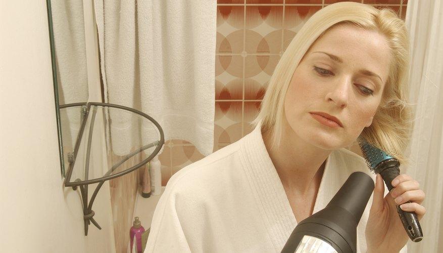 Un secador de pelo es uno de los electrodomésticos más comunes que utiliza alambre de nicrón.