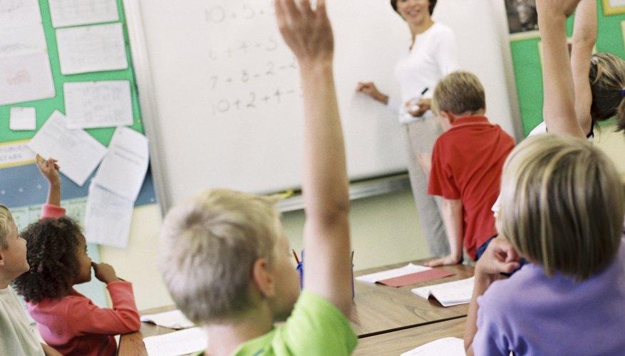 Haz que los estudiantes sean parte de la lección para ayudarlos a entender mejor los múltiplos.