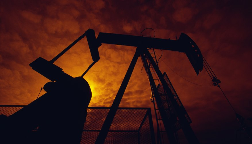 What Are the Pros and Cons of a Petroleum Engineering Major