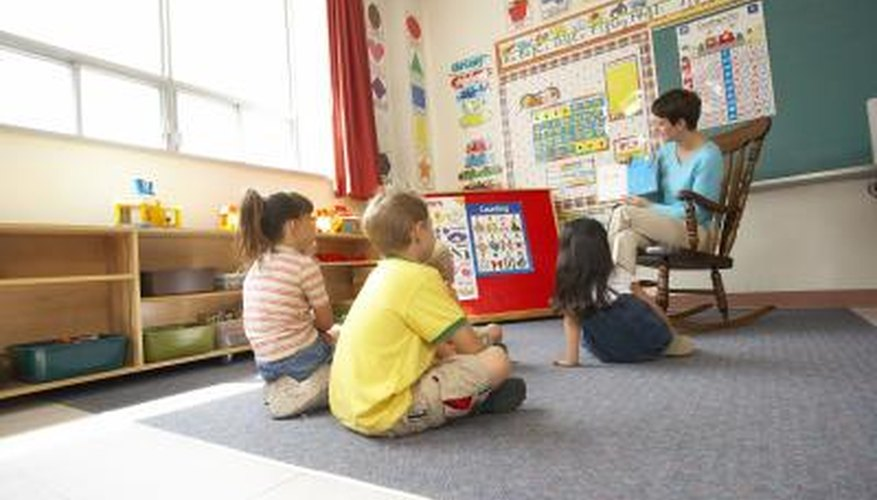Las reglas deben dictar cómo se comportan los estudiantes en el aula e interactúan con sus compañeros.