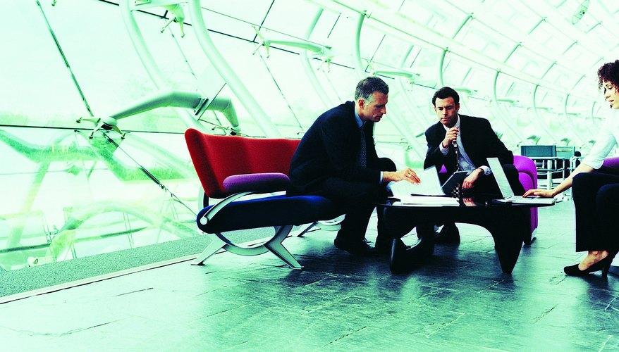 Una propuesta de negocios bien escrita es una comunicación integral en la cual se expresa el valor de la empresa, y es sobre todo un documento de venta diseñado para asegurar un contrato de negocios entre clientes y un servicio a medida que satisface necesidades específicas.