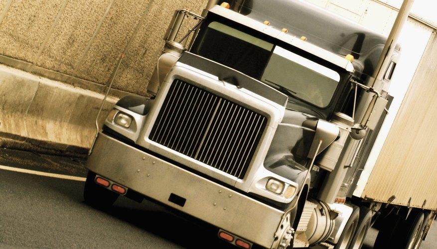 La compañía tiene sus orígenes en el campo de transporte de madera.