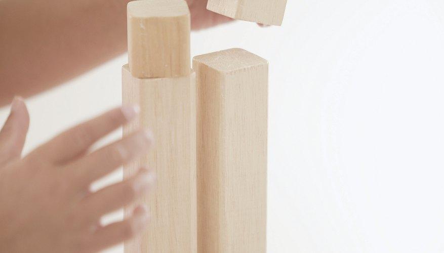 Los cubos ayudan a que los niños desarrollen sus habilidades del pensamiento.
