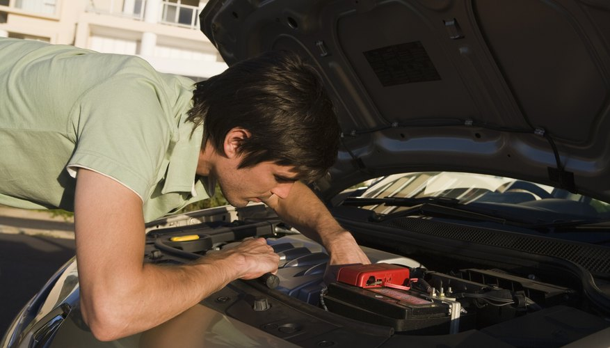 El alternador es también responsable de mantener la batería totalmente cargada.