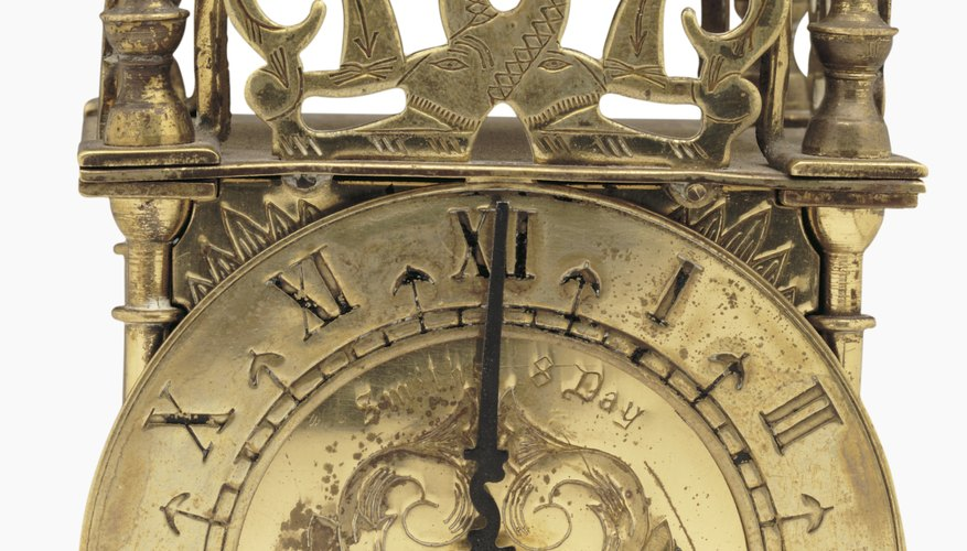 Sin embargo, algunos relojes de pared antiguos tendrán partes de un país y un fabricante de otro.