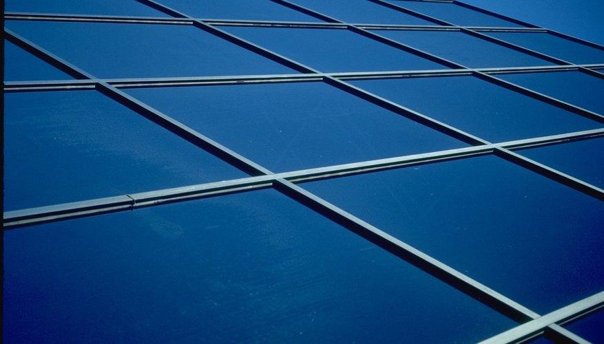 El vidrio de cobalto tiene un intenso color azul.