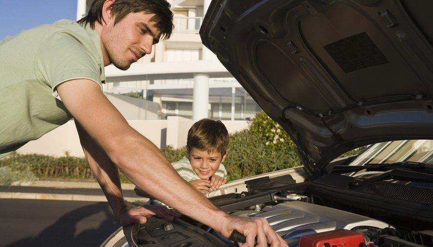 Revisa por ti mismo el aceite de transmisión de tu auto.
