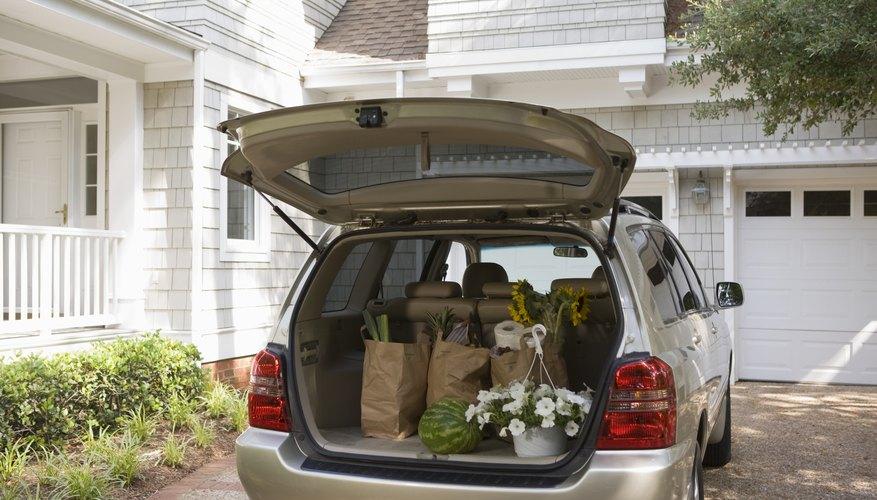 Trata de ordenar tus diligencias para disminuir los viajes de tu coche.