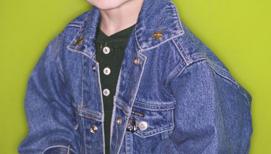 Cuando ya no le queden las chaquetas a los niños, utiliza la tela para hacer otra.