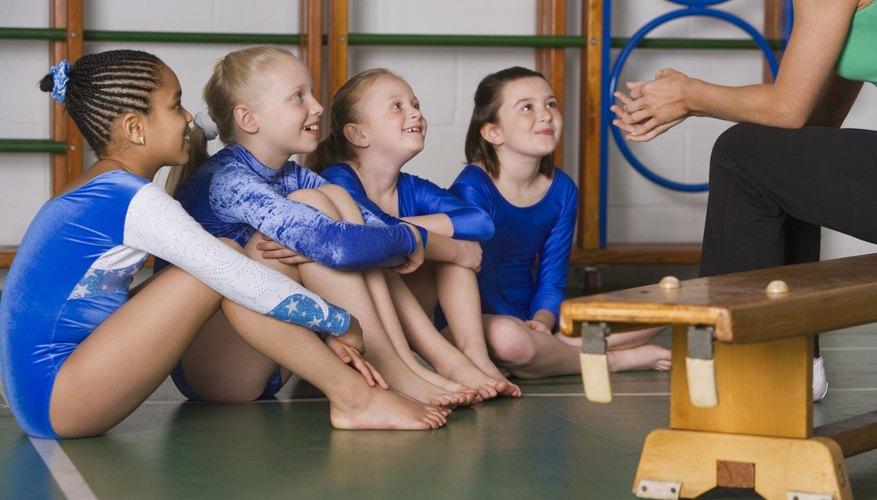 Los juegos de gimnasia mejoran el estado físico y habilidades sociales.