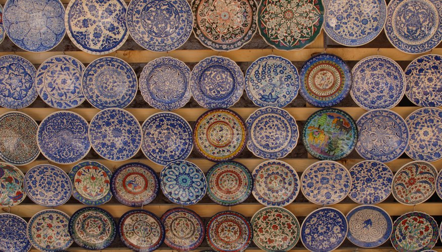 How to Identify Imari Porcelain | Our Pastimes