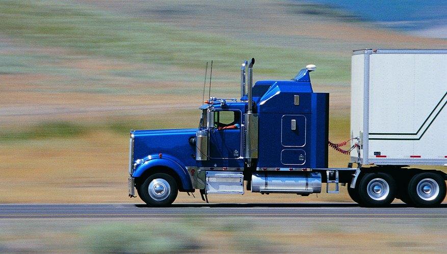Los conductores de camiones con remolque deben tener una licencia de conducir comercial válida.