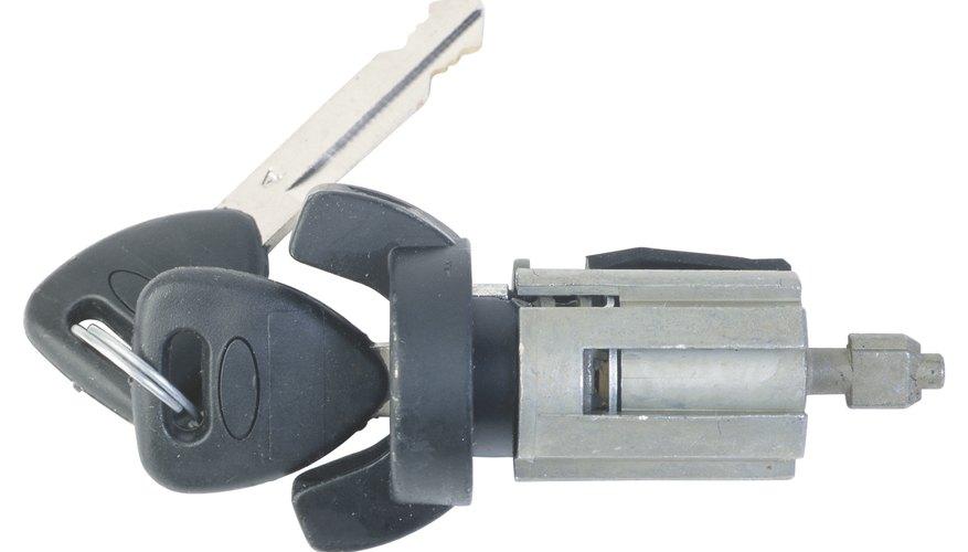 Un relé es un modo en que un circuito puede ser controlado por la corriente de un circuito separado.