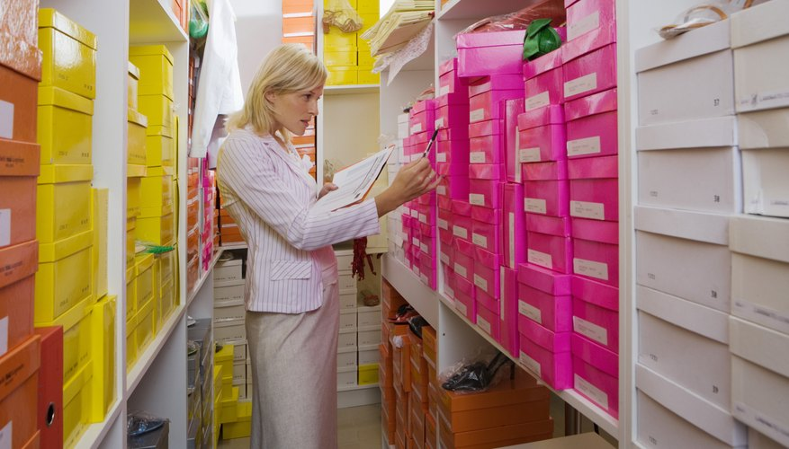 Las empresas deben pagar un impuesto sobre el valor del inventario de mercadería.