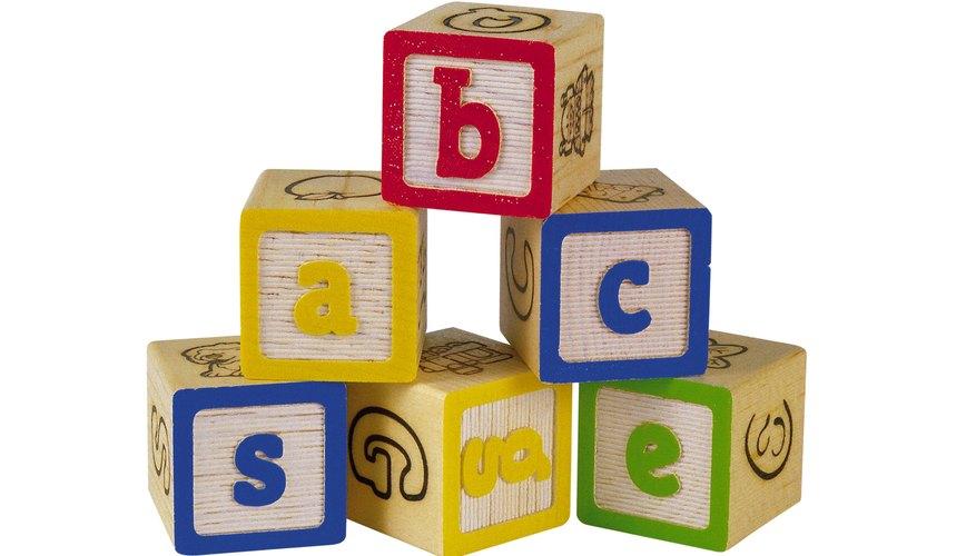 Los niños aprenden mediante la repetición.