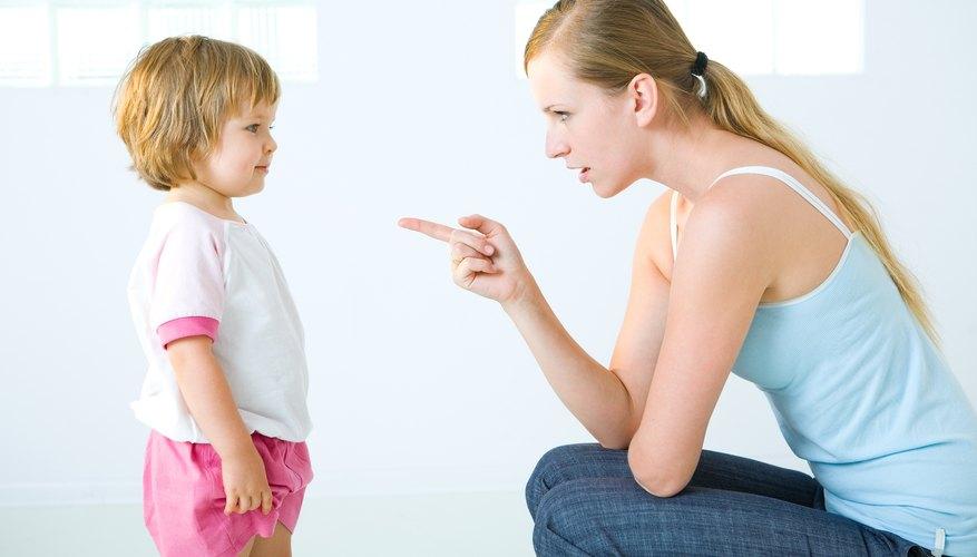 Las buenas recompensas y castigos no deben incluir el soborno y la agresión; las discusiones simples funcionan bien.