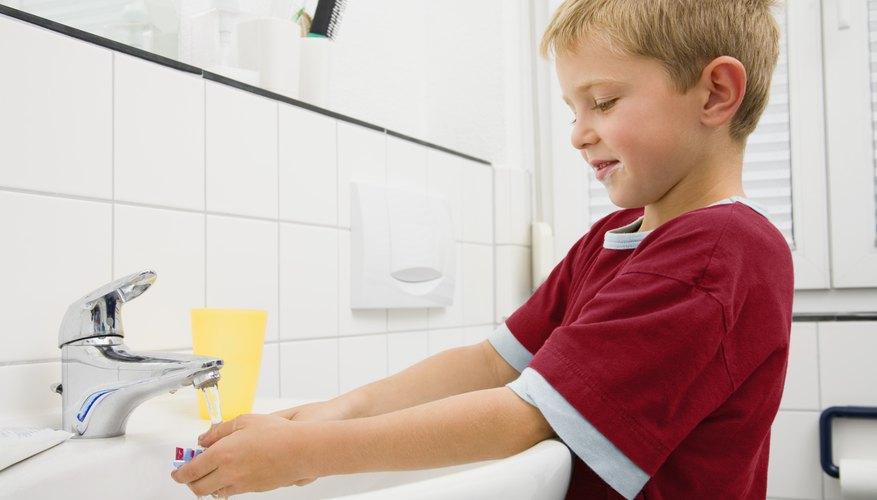 Para lavarse bien las manos, se deben respetar una serie de pasos.