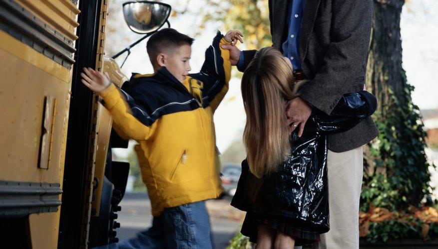 Manten a los niños informados acerca de cuál de los padres van a estar en el cuidado de niños.
