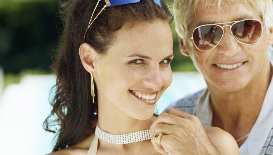 The Reasons Younger Women Date Much Older Men  Dating Tips-2956