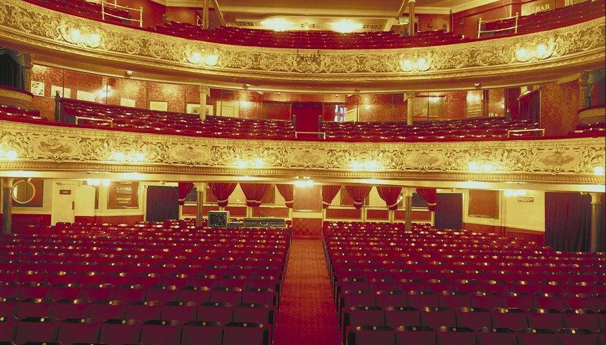 Algunas de las grandes óperas del mundo han sido presentadas en estos teatros.