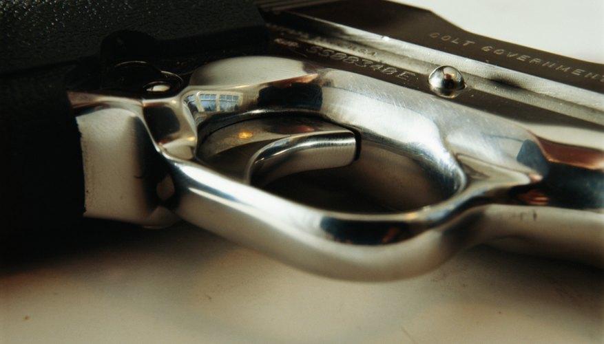El arma Raven Modelo MP-25 es una pequeña pistola semiautomática diseñada por el fabricante de pistolas George Jennings.