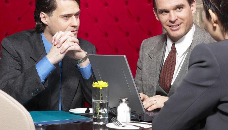 Cómo realizar un análisis FODA en la capacitación y el desarrollo de los empleados.