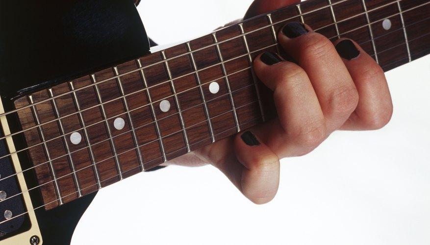 Un cambio de trastes le devuelve la acción a una guitarra.