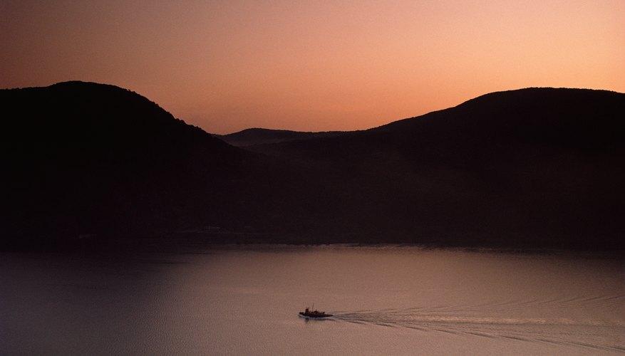 Bote sobre el río Hudson.
