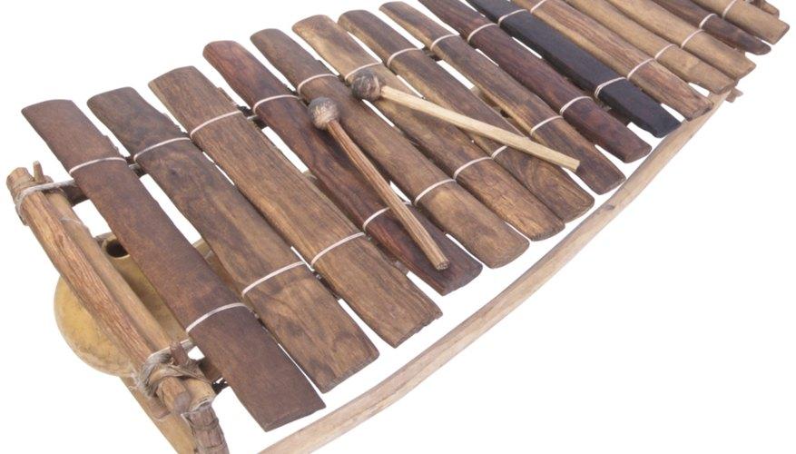 Hacer un xilófono de madera puede ser un proyecto musical creativo.