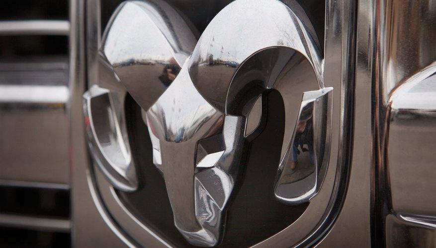Las camionetas Dodge Ram venían con transmisiones automáticas 42RE y 42RH de cuatro velocidades.