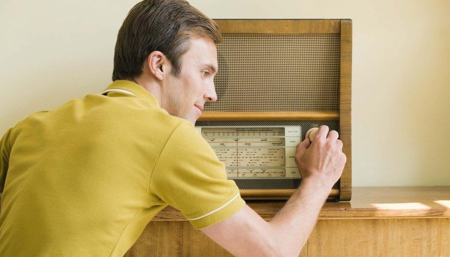 Muchas radios y televisores antiguos están hechos de baquelita.