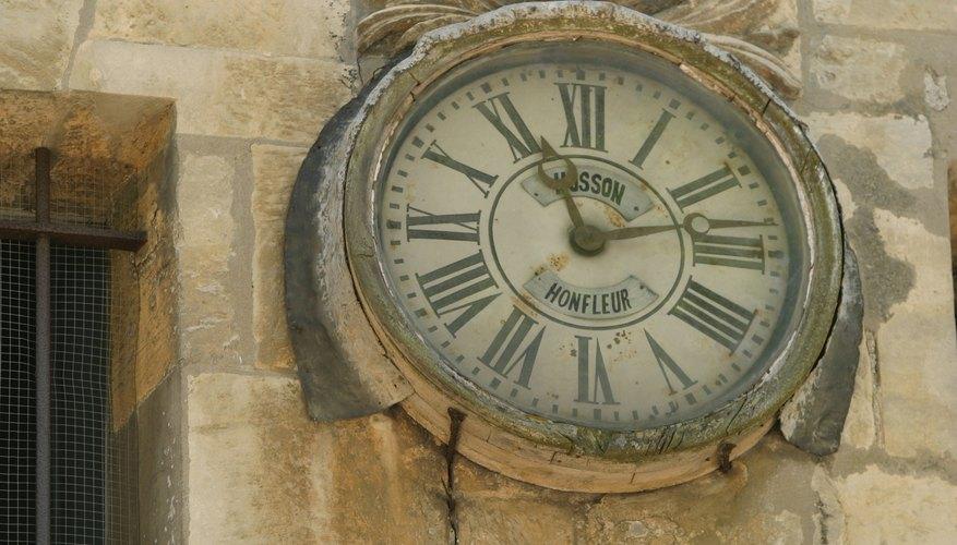 Cuanto más sepas sobre tu reloj, más fácil será determinar su valor. Aquí hay algunas formas de identificar tu antiguo reloj de pared.