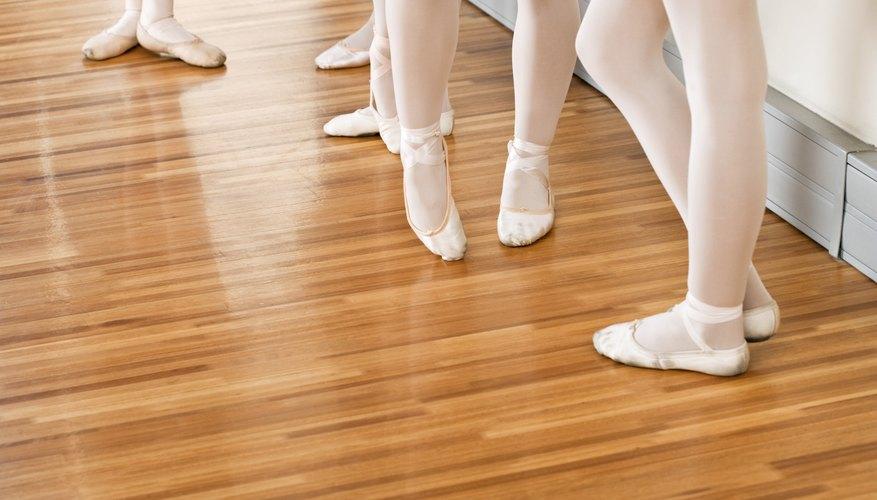 Los zapatos con punta son innecesarios para las principiantes, quienes deberían usar zapatillas.