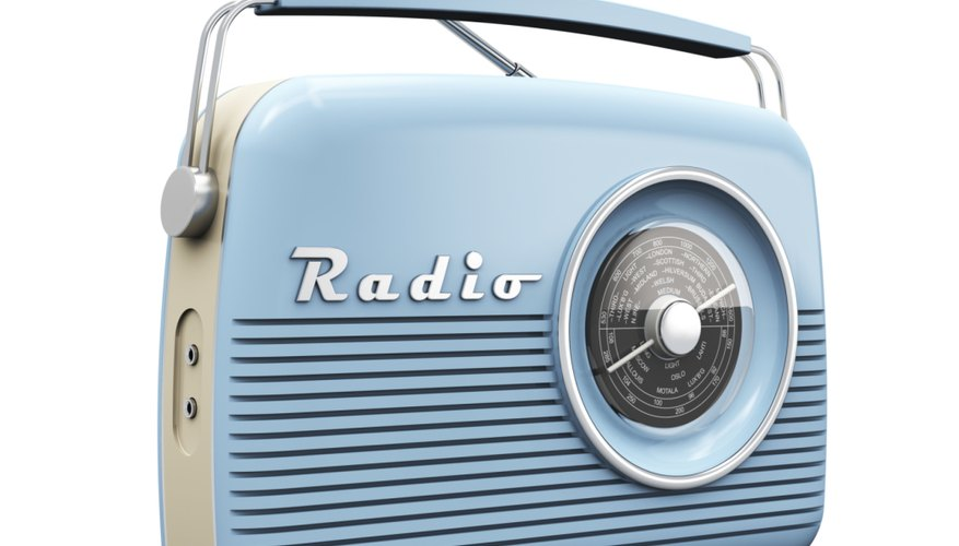 La radio es una fuente de entretenimiento e información.